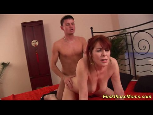 moms-furry-pussy-cheer-scandal-nude