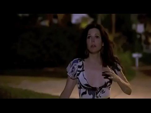 Mary louise Parker weeds sex scene