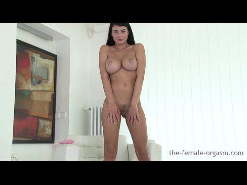 Sexy perfect tit coed