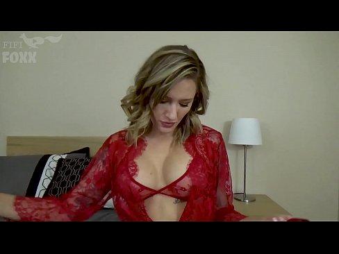 stephanie szostak nude pic