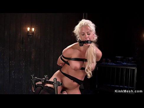 Blonde from zack and miri make a porno
