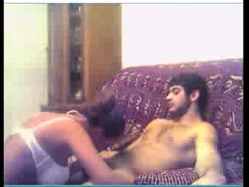 azerbaydzhanskaya-seks-porno-video-kaka-paren-perya-devaet-siski-smotret