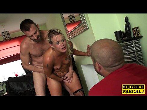 amateur dildo masturbating