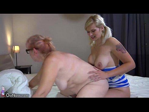 Small lesbin sluty licking pussy