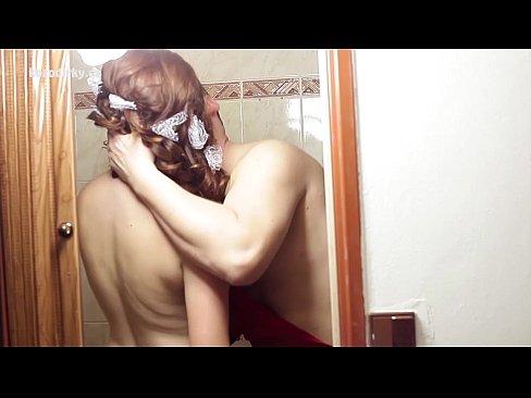 Alicia Keys Naked