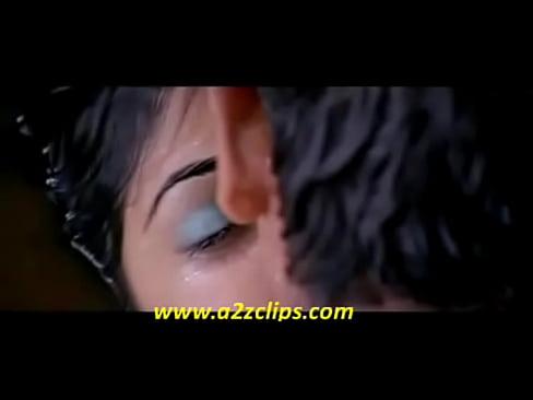 Genelia hot kiss scene from boys