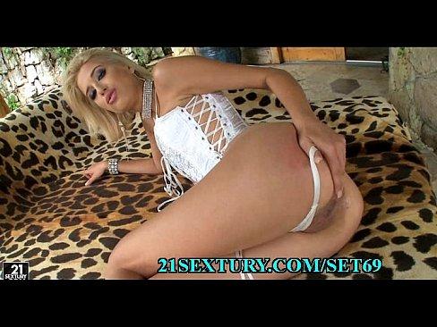 Gorgeous sexy slut videos