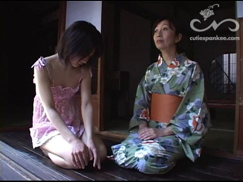 #307 Mrs Kanda spanks her daughter for wetting the bed