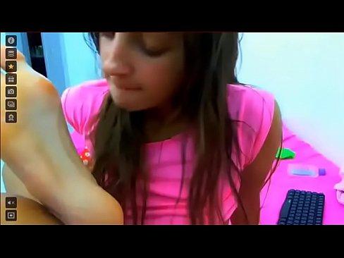 Teen Webcam Anal Squirt