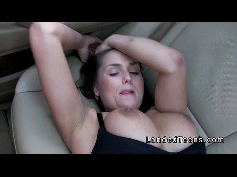 amateur-bra-flashing-porn-thumbnail-gallery-naked-young-wpomen