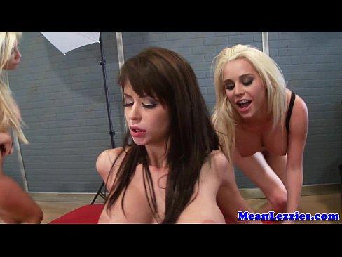 Lesbian Big Tits Small Tits