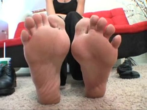 Blonde milf with sweaty feet