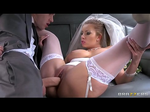 Danny fucking mar sin gneasach bride Donna Clog Ag GigaPorn.Ae