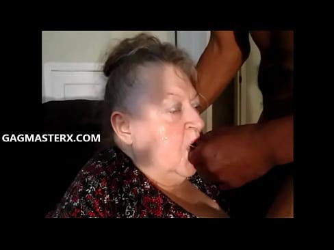 MAMIE PUTE MME BEA HAVIN EST SORTI DE SA RETRAITE