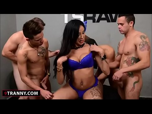 Huge boobs shemale thays cumshot s