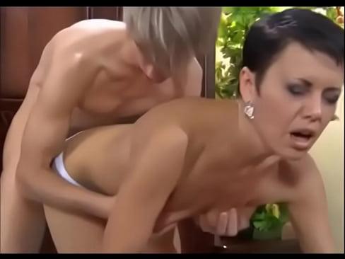 mom sucks dick nude