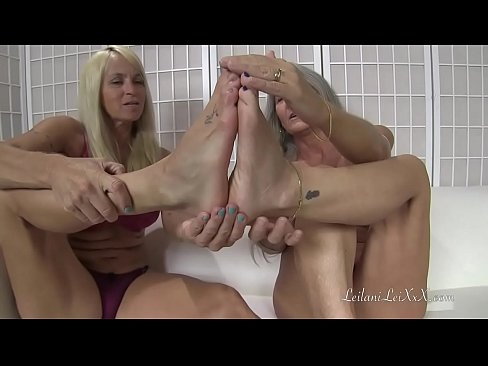 Lesbian Feet Worship Jeans