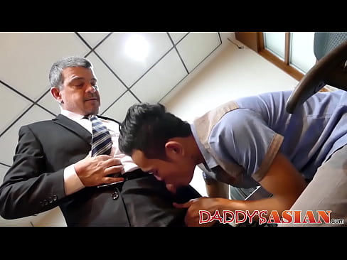 Deep ass pounding with a young Asian