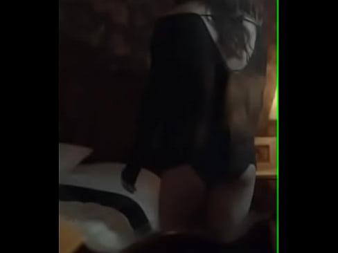 Miranda Cosgrove boobs show