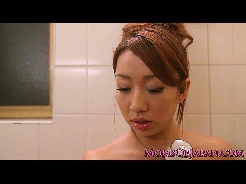 Asian loving daddy spitroasted in threeway
