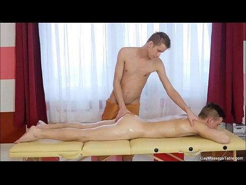 Xnxx com gay massage