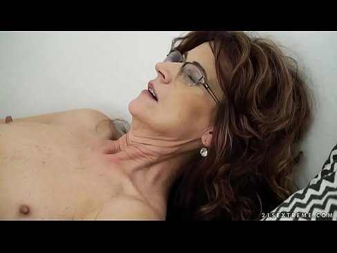 Lusty mom sex