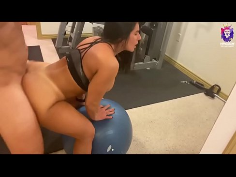 amateur big booty lady fuck personal trainer