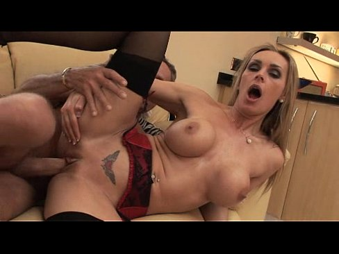Hot yoga instructor gets an anal pounding_pic16980