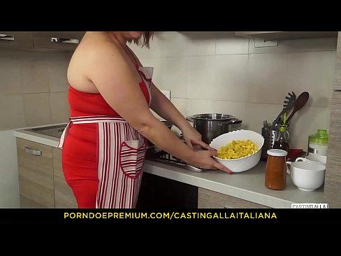 CASTING-ALLA ITALIANA - BBW mature dirty sex und facial in audition
