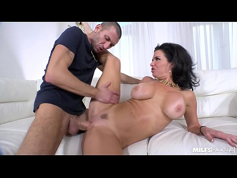 Squirting Milf Fucked Ar An Tolg!