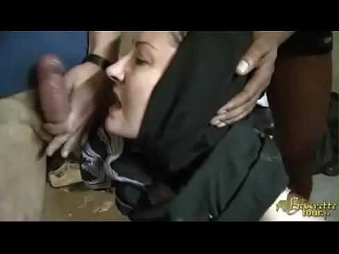 Six move pornstar hijab