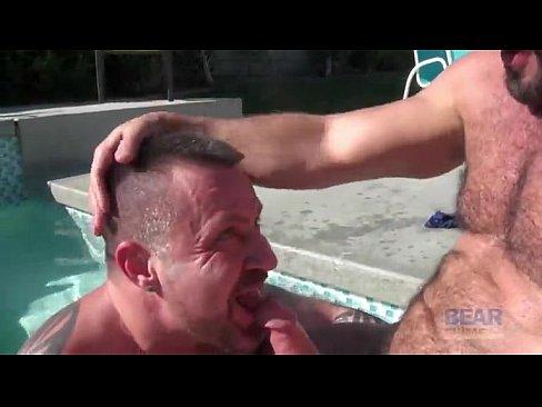 Carlo Cox and Marc Angelo at bear films - Gay Tube Videos - GayDemon