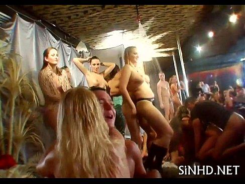 Party hardcore ads — photo 12