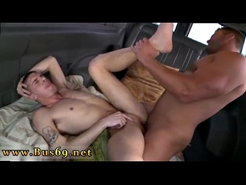 Amateur straighty turns and gives head