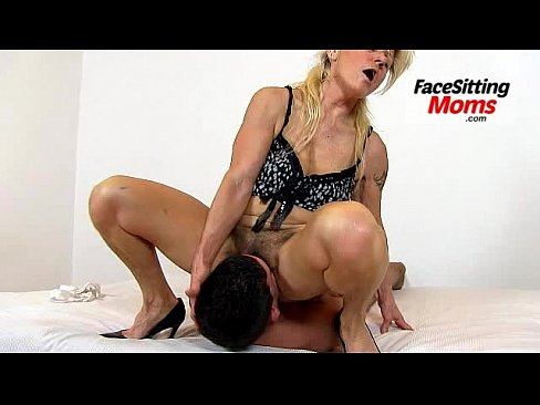 Sex blonds fucking 2 girls