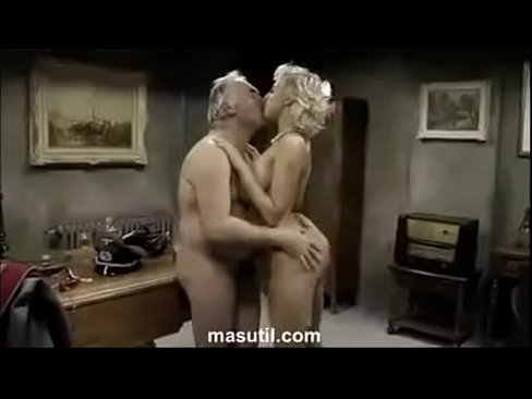 Sexy hot blonde. Who is she? Full video link please