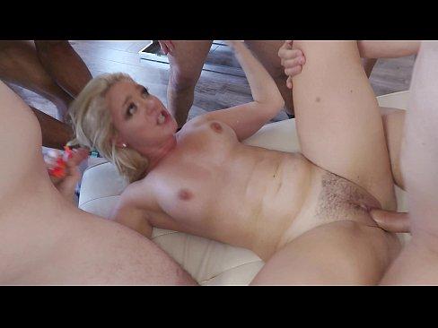 Midwest amateur porn blonde milf