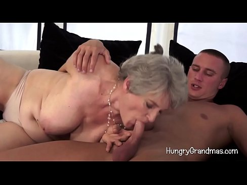 Busty amateur milf takes.2 creampies cuckold dp