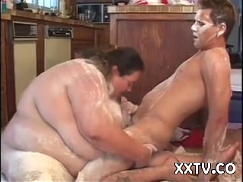 Ssbbw sucks on bed