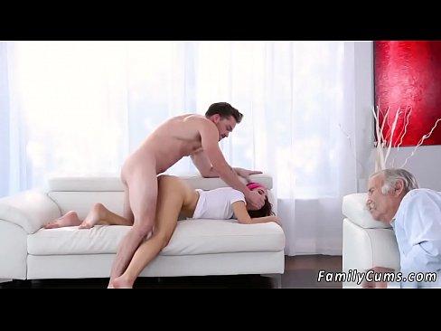 Skinny legs amateur sex