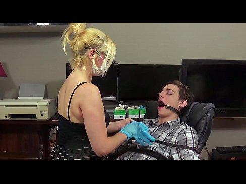 Dentist blowjob