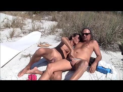 amateur lesbian nude