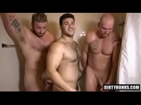 Threesome in the hotel room gay muscle