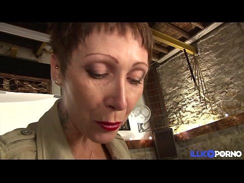 Cougar ag iarraidh nios mo na piosa de jewelry ba mhaith lei gneas [Full Video]