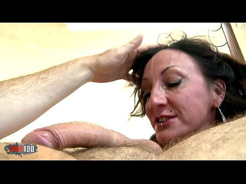 Lyna Monogramme Anal squirting maigre milf pute