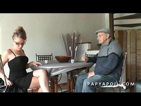 Papy Baise Une Jeune Petite Francaise Avec Son Copain Xnxx Com