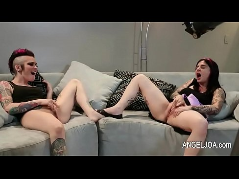 Sexy and tattoed joanna angel porn star