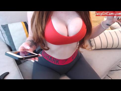 www.big boob.com černá žena kundičky