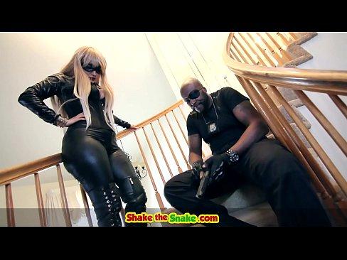 Parodia del Sexo de los Vengadores con Lex Steele & Savana Estilos