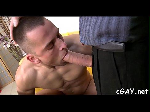 xnnx homo seksiä Iso lihas homo porno